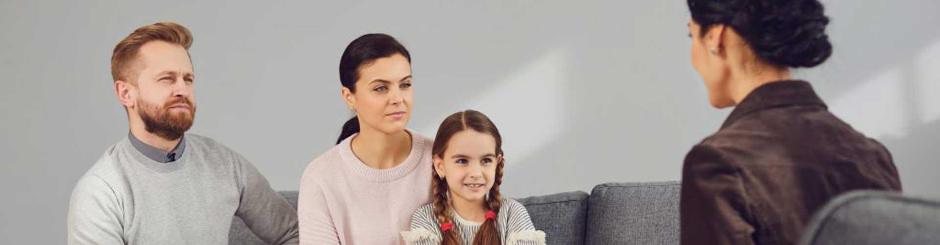 family talking to psychiatrist